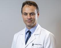 Dr. Fernando Mothes
